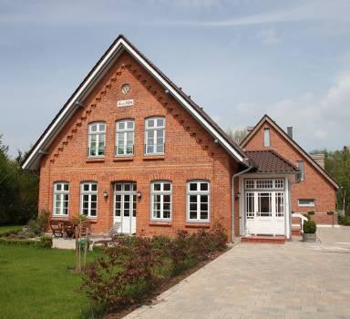 Umbau und Erweiterung eines Mehrfamilienwohnhauses